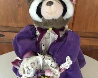 Apple Whimsey Collectibles - Raccoon and Baby