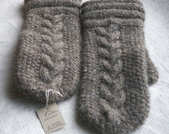 Grey mittens from dog's wool, handknitted mittens, adult or teen dark grey mittens, 100 % dog's wool