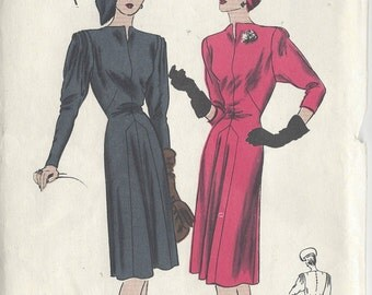 "1940s Vintage VOGUE Sewing Pattern B32"" DRESS (238)  Vogue  S-4668"