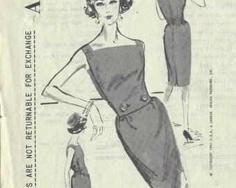 1960s Vintage Sewing Pattern B33 DRESS (1547) By VENEZIANI - Spadea pattern