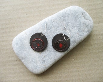 Ceramic earrings_black coin,red eye