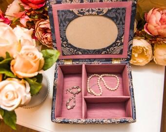 "Casket 0053. ""Versailles"" / Jewelry box/ Girlfriend gifts / Decorating ideas"