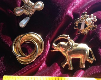 4 vintage brooches  (item no. VB04)