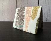 Card Wallet - Cream Feathers