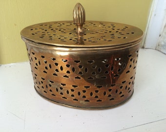 Pierced Brass Potpourri Box / Oval / Jewelry Trinkets / Storage / Moorish design
