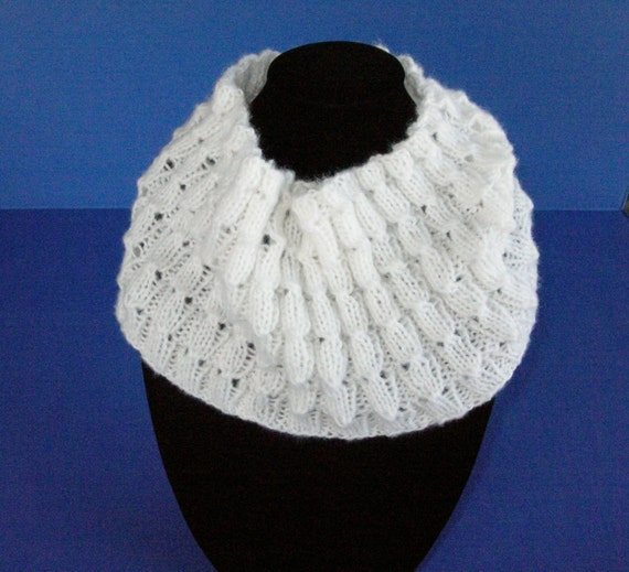 Knitting Pattern Lightweight Scarf : White Knit Cowl Soft Lightweight Scarf