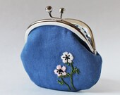 flower coin purse kiss lock coin purse change purse embroidery white pink anemone on blue linen spring French blue blue coin purse spring