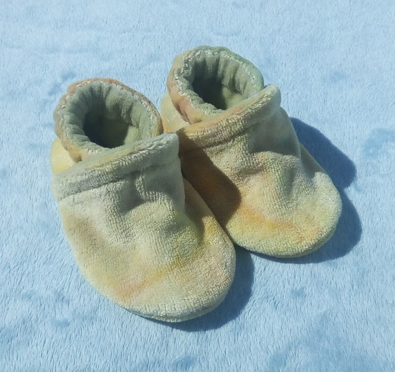 Pastels: LWI Dyed Bamboo Velour Slippers 0-3M