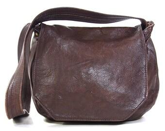 70s SOFT Leather Hobo Bag / Vintage 1970s Burgundy Leather Purse / Slouchy Scrunchy Casual Shoulder Bag / Flap Closure / Shoulder Strap