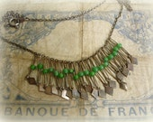 vintage boho fRinge necklace fine silver tone chain with wired green glass bead dangles