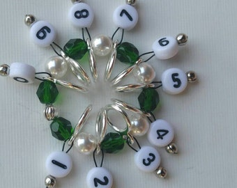 SnagFree Circular Row Counter Ring Style Green and White Beads