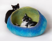 Pet / Dog / Cat Bed / Cave / House / Vessel - Hand Felted Wool - Bright Turquoise Green  - Crisp Contemporary Design