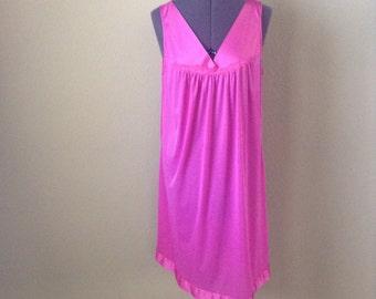 Vintage 70s pink Vanity Fair night gown ~ lingerie ~ slip dress ~ kawaii
