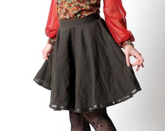 Flared khaki skirt, Dark green skirt in crumpled cotton and pleather lace trim, Your size