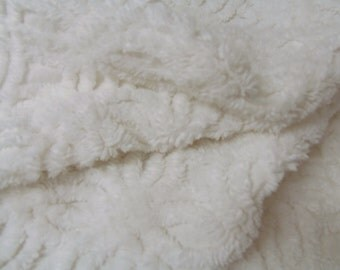 Hoffman Chenille Bedspread Cotton Fabric Fat Quarter Sewing Needs  sewbuzyb