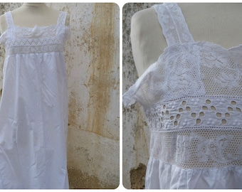 Vintage Antique French 1900 Edwardian thin lace & thin white cotton dress /underdress /nightgown size  S