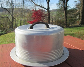 Vintage Cake Carrier With Locking Lid - Regal Aluminum - 1960s