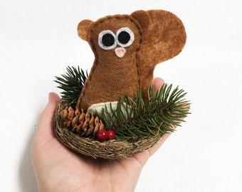 Squirrel Nest, Christmas Decoration, Sherlock the Squirrel, Winter Nest, Pinecone and Berries, Centerpiece