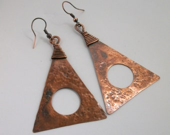 LARGE hammered Triangle copper Earrings- copper jewelry- dangle earrings- rustic copper jewelry