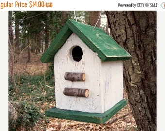 Primitive Country Chickadee Wren Songbird White and Green Primitive Birdhouse