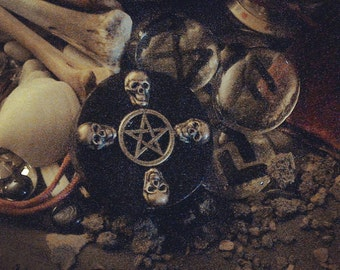 Skullbox with Pentacle