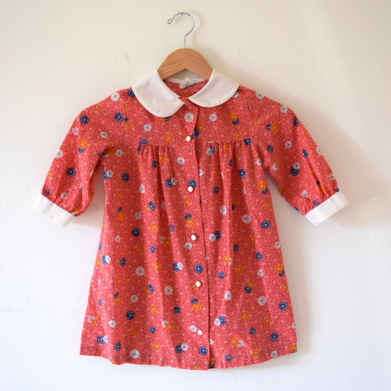 Vintage 60s 70s Red White and Blue Novelty Calico Button Print Babydoll Dress with Peter Pan Collar (size 6 T)