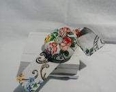 Wrist  Pin Cushion  Vintage  Slub Cotton  Floral - Armentieres  -  Handmade