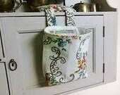Thread Catcher -  Craft Caddy-  Vintage  Slub Cotton  Floral - Armentieres  -  Handmade