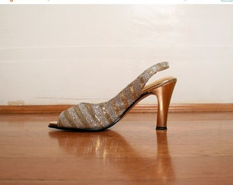 ON SALE Vintage 1960s Heels - Golden Silver Metallic Champagne Tinsel Disco Heels - Size US 6 M