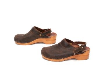 size 8 1/2 CLOGS brown leather 80s 90s PLATFORM slip on mules