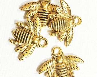 6 pcs of antique gold bee charm 16x21mm, antique gold charm, gold animalpendant