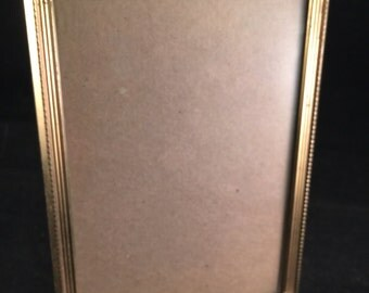 Vintage Gold Metal 5 x 7 Picture Frame