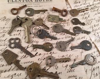 Lot of 20 Vintage Keys for Steam Punk/Repurposing/Destash Jewelry Making