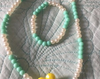 Daisy flower bright aqua green mint & white dressup GIRL shabby chic chunky bead necklace kids pearls adorable sweet dressup playtime date