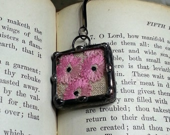 Soldered Art Charm, Vintage Embroidery, Soldered Glass Bookmark, Recycled Vintage Linen, Pink Daisy Design, Stained Glass Style