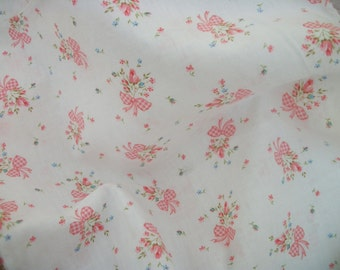 vintage fabric heat pad cover, charming vintage white and pink print, sweet pink roses, posy flowers, cotton fabric, vintage supply