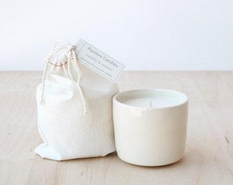 vanilla & amber soy wax candle : SALE