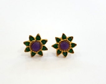 Flower Stud Earrings - Green Onyx and Amethyst Flower Earrings - Semiprecious Stones - Vintage Style - Gold Plated