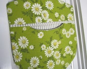 Clothes Pin Peg Bag - Repurposed Vintage Retro Tablecloth & Wood Hanger White Daisies - Shabby Prairie Cottage