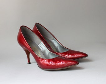 1960s Patent Leather Shoes / Vintage 50s Ruby Red Heels / 60s Patent Stilettos