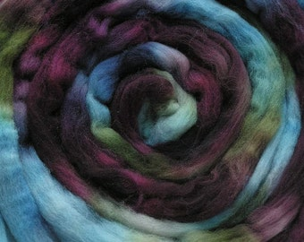 200g Space-Dyed Merino D' Arles Wool Top - Lichen on Stone