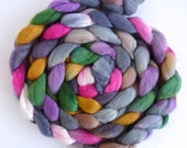 Merino Wool Roving Superfine - Hand Dyed Spinning or Felting Fiber, Flowers Against the Wall