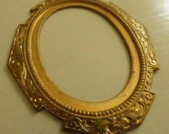 Vintage Brass Stamped Round Ornate Frame Pendant  MS1047