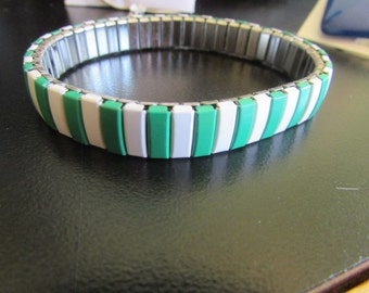 green & white stretch bracelet