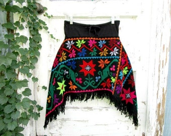 S-M Fringed Folk Black Day Glo Multi Colored Floral Wool Mini Skirt// Fall Autumn Winter// emmevielle
