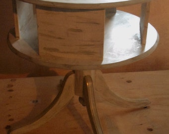 Boutique - Salon  Pedestal Table