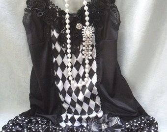BIG Fall Sale 35% Off FLAPPER 1920s Art Deco Speakeasy Roaring 20s Gatbsy Downton Abby - Black and White