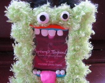 "MONSTER! Green Furry Cyclops Monster Picture Frame! Holds 3""x5"" photo in its mouth.  Toothy Funny Furry Fluffy Creature!"