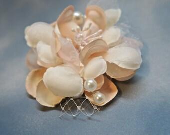 Flower Bridal hair fascinator, Bridal flower hair clip Silk Bridal Headpiece,Wedding Hairpiece,Wedding Flower Hair comb