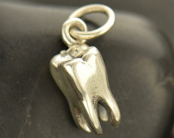 NEW - Realistic Tooth Necklace - Solid 925 Sterling Silver Charm - Free Domestic Shipping